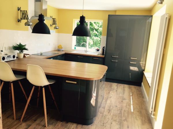 Mijn fabriekshanglamp zwarte editie in de nieuwe keuken!