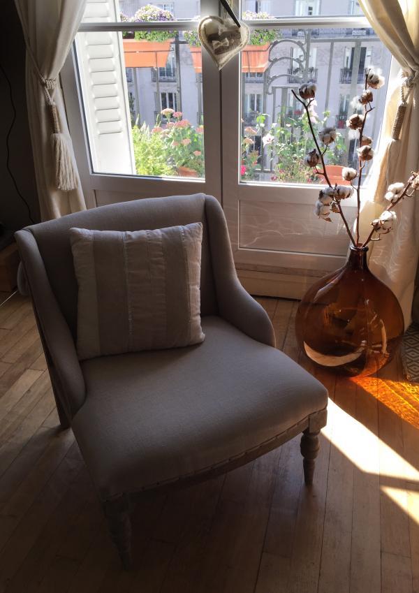 Ontspannende momenten in mijn chique Dumas fauteuil