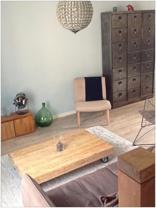 Ik gebruik de Northern Vintage-fauteuil om een vleugje Scandinavische warmte toe te voegen
