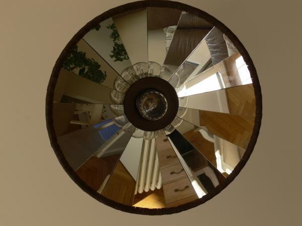 Deze veelzijdige hanglamp geeft een heel ander aspect aan onze woonkamer!