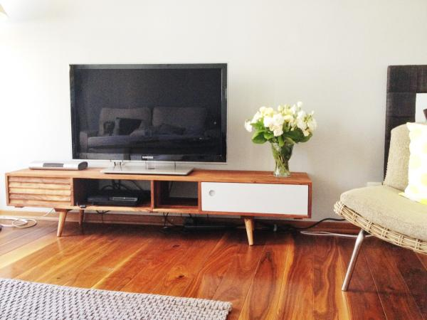 A Meubel Ervaring : Stockholm tv meubel geïnspireerd op de jaren pib