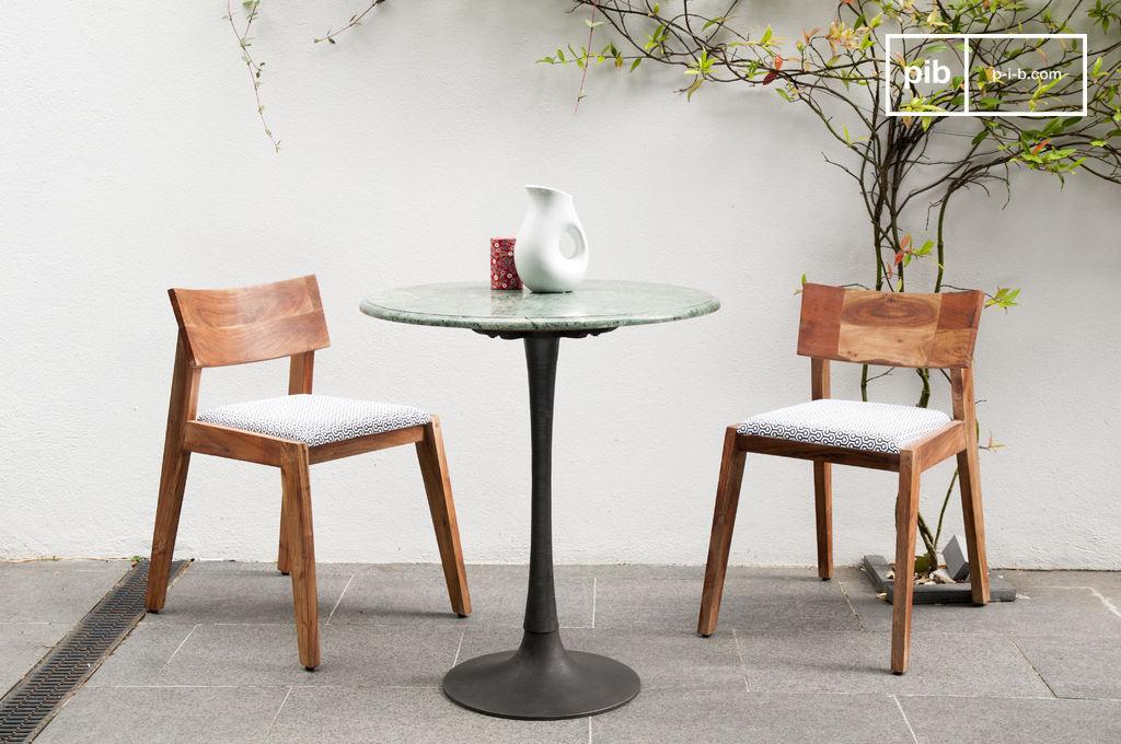Marble eettafel een ideale scandinavische tafel voor een for Marmortisch esstisch
