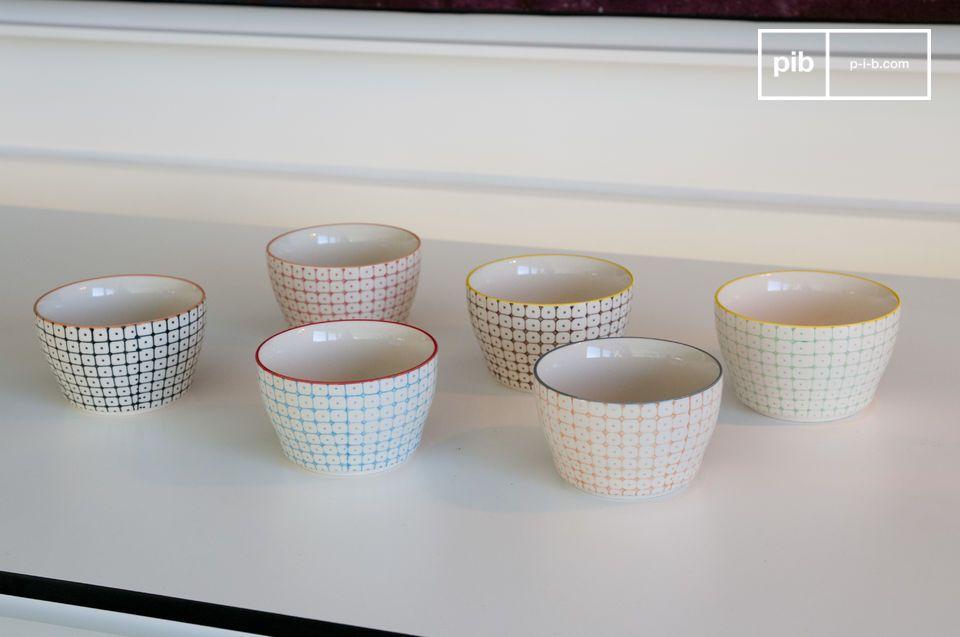 6 met de handgeschilderde keramieken kommen voor toetjes, thee en chips