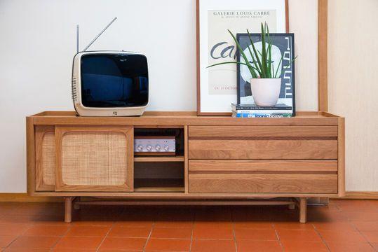 Aarne TV-meubel in licht eikenhout