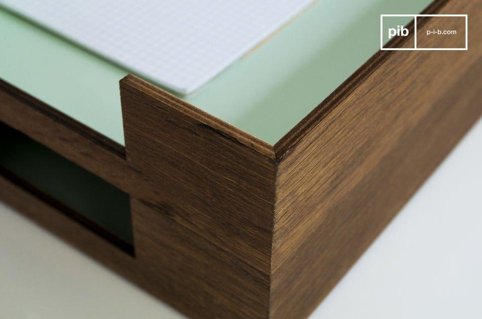 Deze brievenbak voegt een vintage touch toe aan je kantoor of hal en de zeegroene kleur geeft het