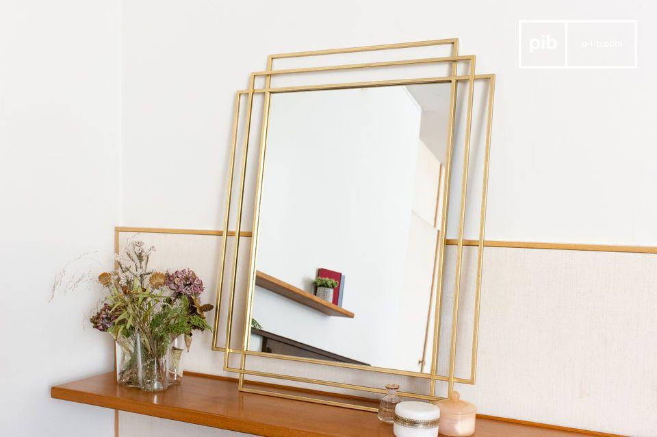 Een grote rechthoekige spiegel geïnspireerd door art deco