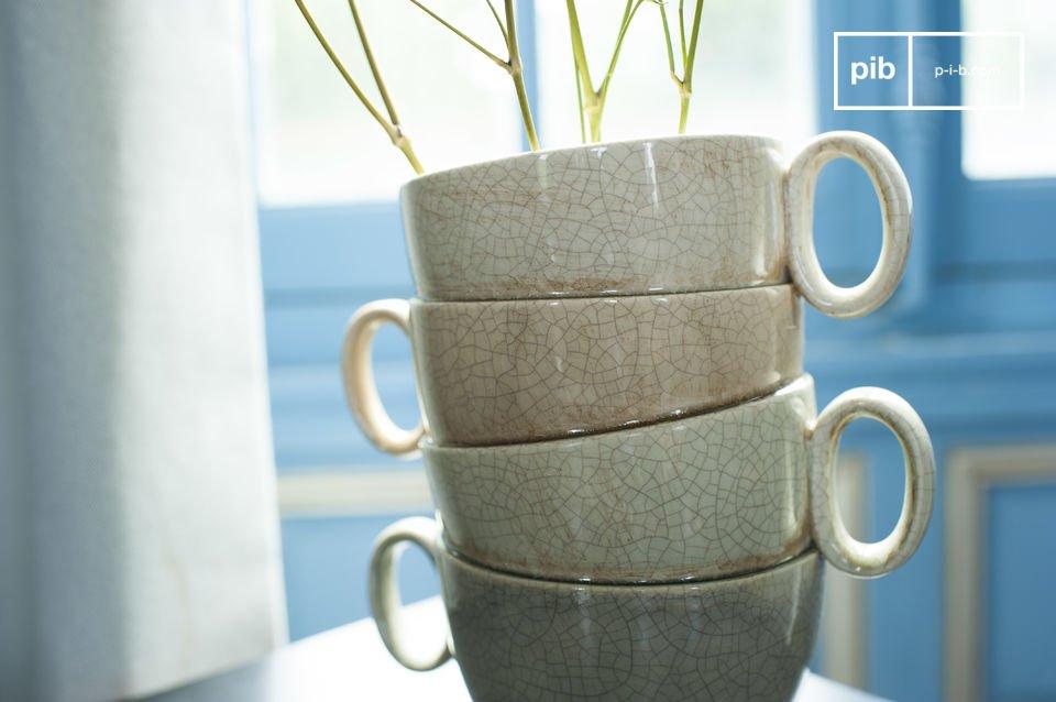 De Amalia vaas is een decoratief en grappig uitziend product