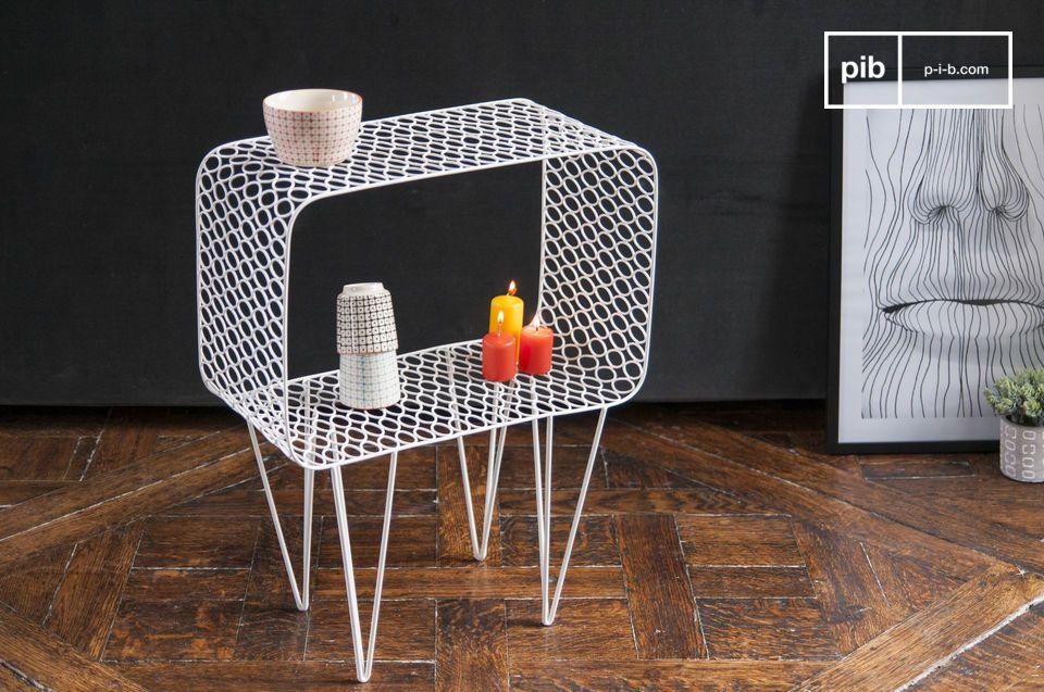 De Andover tafel is volledig gemaakt van metaal en heeft een mooie, vlekkeloze witte kleur
