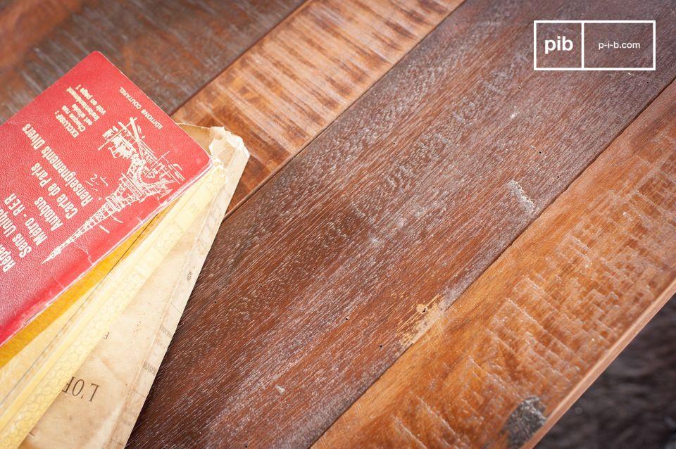 Antieke teakhouten charme en een pure industriële uitstraling