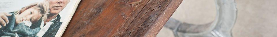 Benadrukte materialen Antieke teakhouten tafel Tonnel