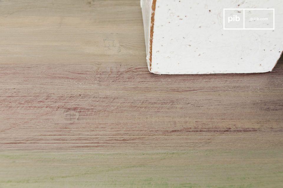 Deze sidetable heeft een houten tafelblad en voegt een rustiek karakter toe aan je interieur
