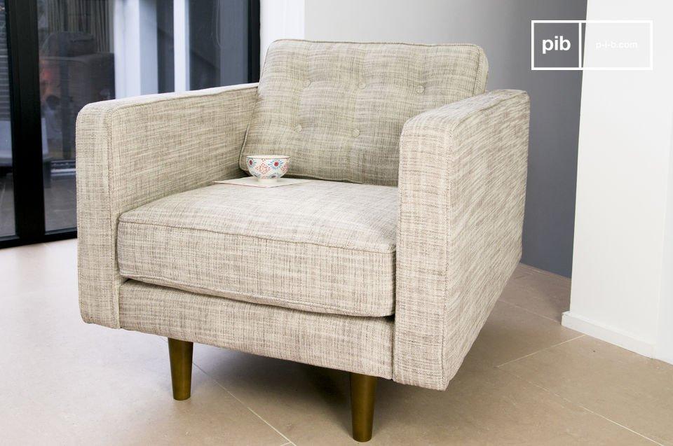 De Svendsen fauteuil heeft net als de twee- en driezitsbank een fifities karakter