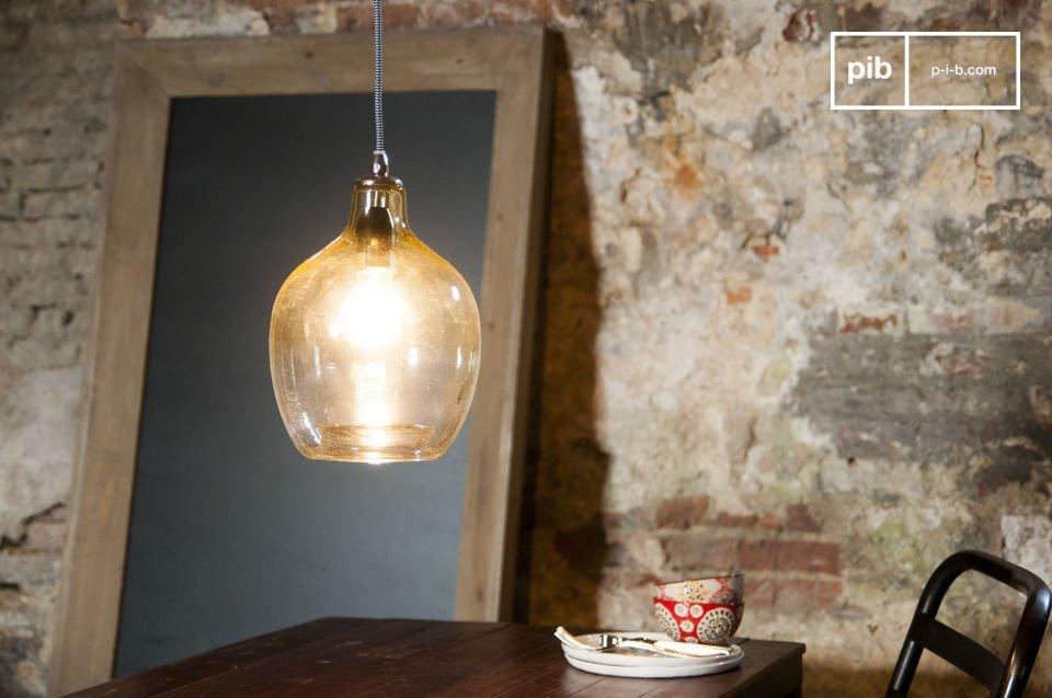De Belvedere hanglamp is een lamp met een speciale schoonheid door vorm en de gebruikte materialen