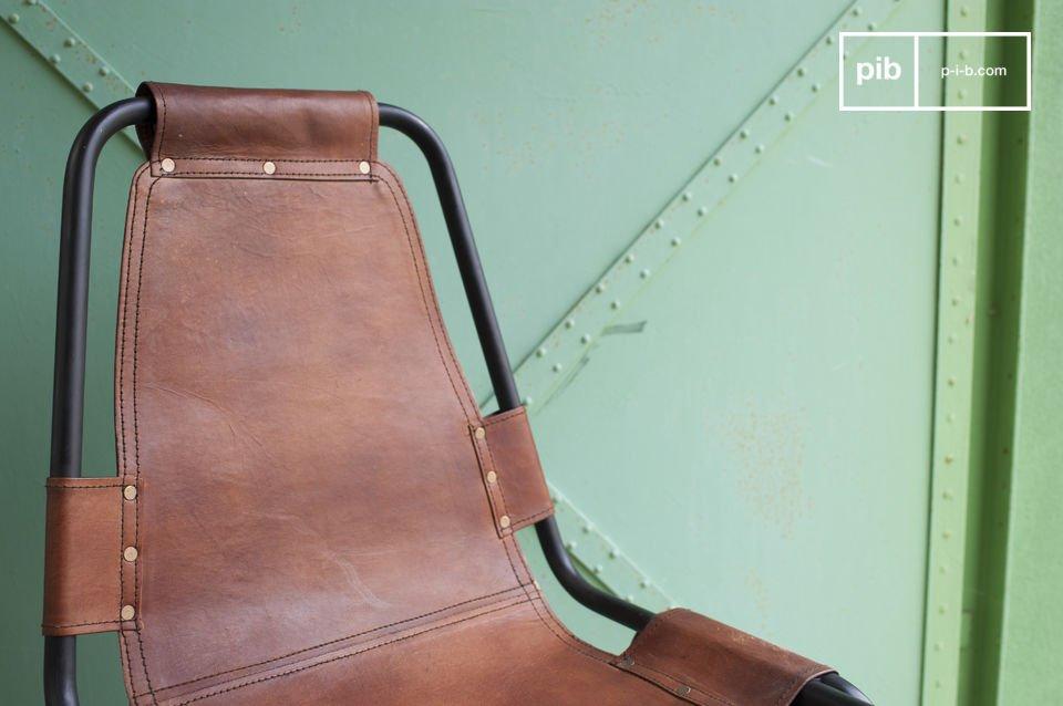 Leren en metalen stoel met een loft stijl