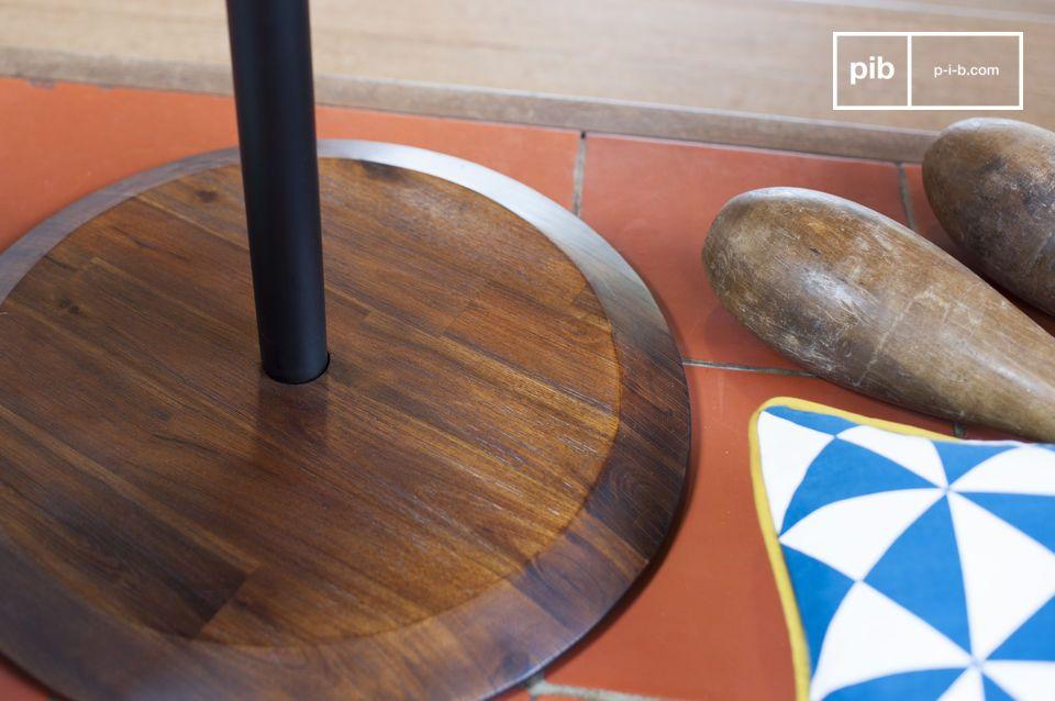 De Victor bijzettafel is een stijlvol en decoratief product die is geïnspireerd door meubilair uit