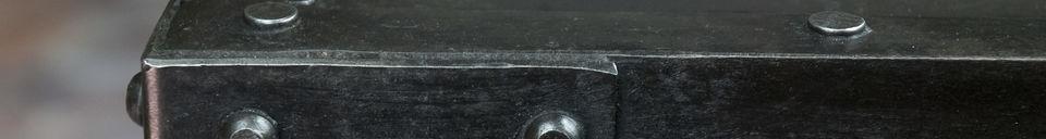 Benadrukte materialen Bijzettafeltje met klinknagels