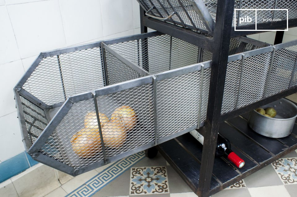 De Bluestone keukenkar kan makkelijk schoon worden gemaakt met een spons en aan de metalen stang