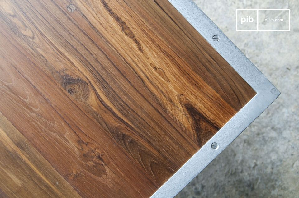 De salontafel vindt zijn plaats in zeer gevarieerde interieurstijlen