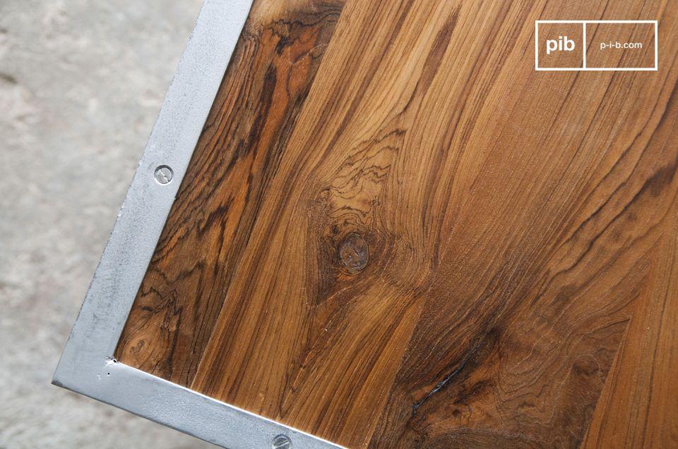 Door zijn soberheid, kan de tafel overal zijn plaats terugvinden in gevarieerde interieurstijlen