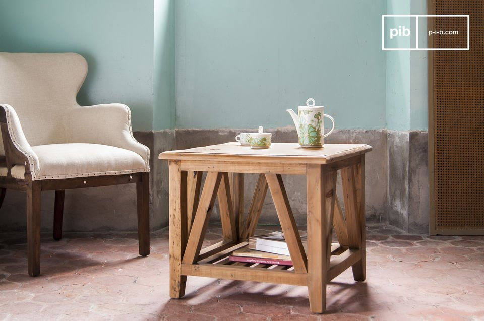 Perfect voor bij de bank in je woonkamer, of als salontafel in een kleine woonkamer, de Cadynam tafel past overal