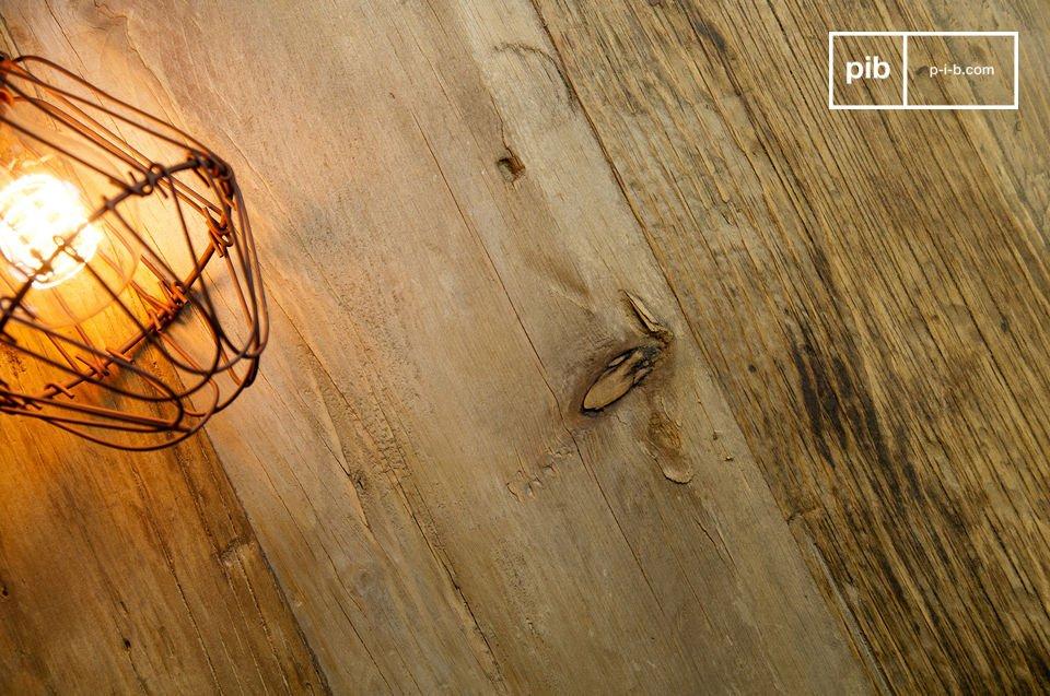 Grote salontafel gemaakt van gerecyled hout