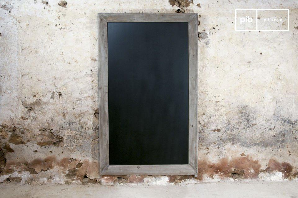 Een houten schoolbord, ideaal voor notities