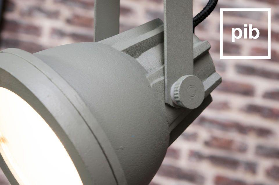 De Weissmuller hanglamp is een lamp die een industrieel karakter zal toevoegen aan je interieur
