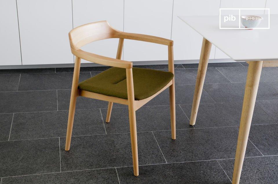 Typische retro Scandinavische stoel