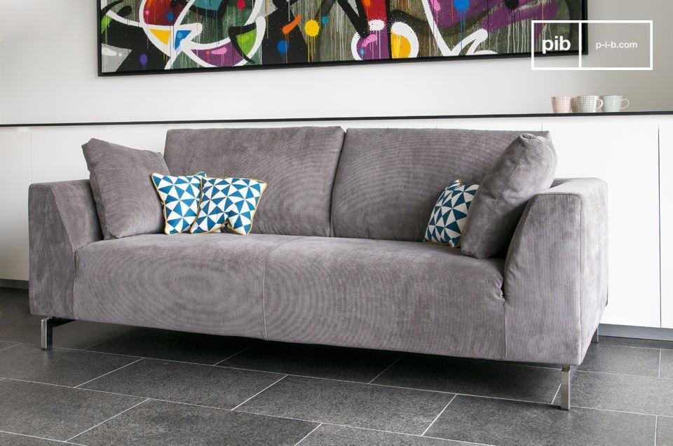 Zeer comfortable driezits bank, verkrijgbaar in 3 kleuren