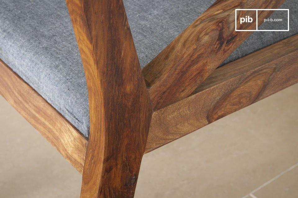 Comfortabele zitting en elegantie van donker hout