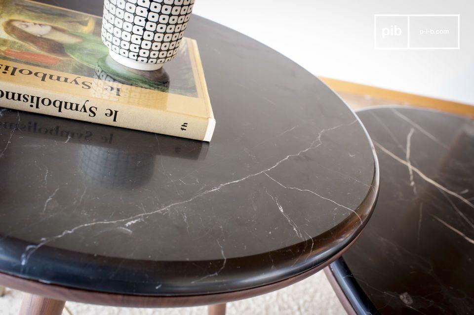 De kompaspoten verwijzen naar meubels uit het begin van de twintigste eeuw