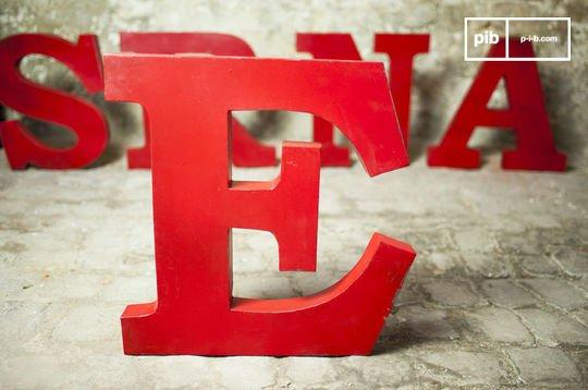 Decoratieve letter E