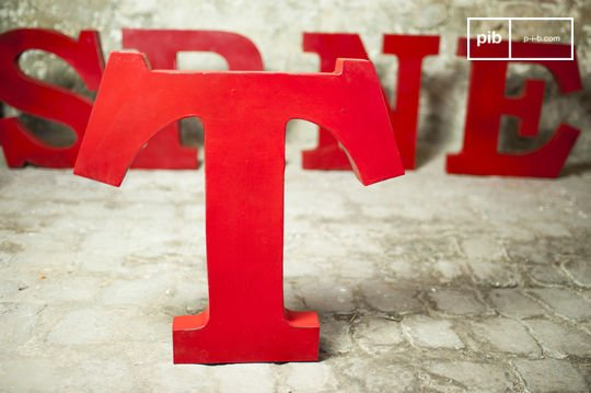 Decoratieve letter T