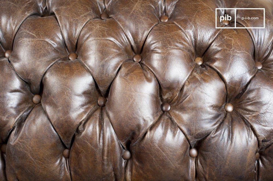 De afwerking van deze sofa is bijzonder: de naden zijn uitstekend