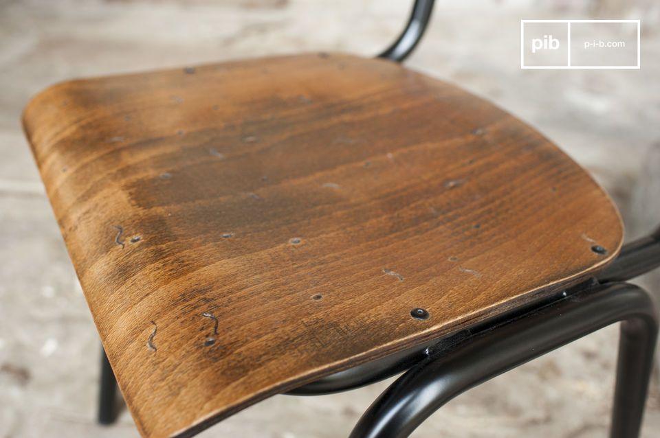 De Doinel stoel is een geweldige herinnering aan de vintage stoelen waar je vroeger op zat in het