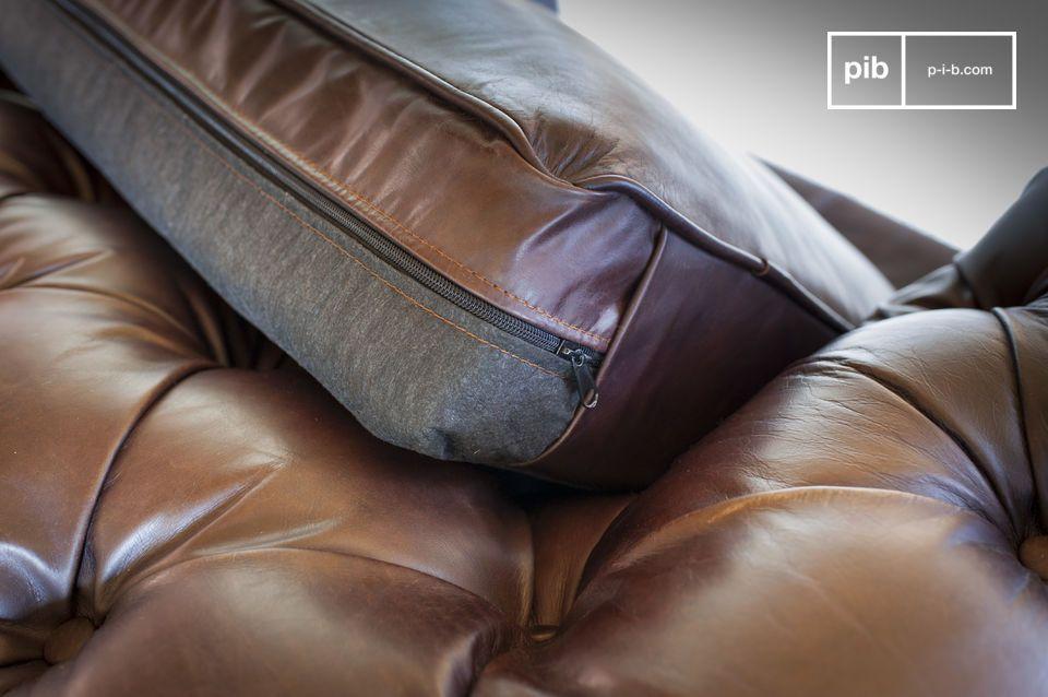 Deze klassieke leren chesterfield bank is chique en is uiterst comfortabel door de zitting en