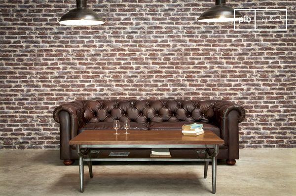 Donkere chesterfield sofa