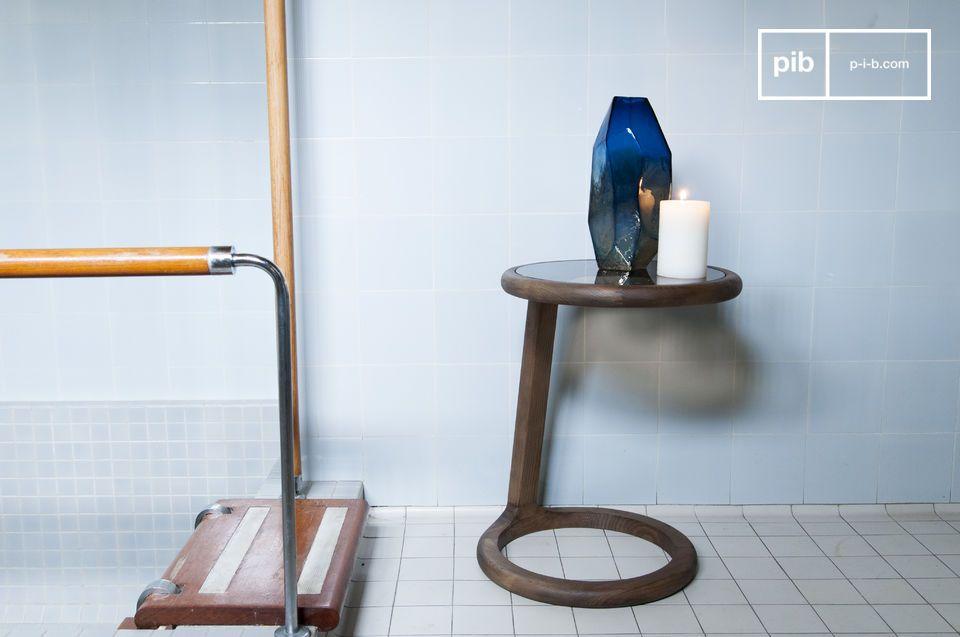 Het hout- en glascomplex in elegante vintage vormen