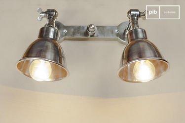 Dubbele verzilverde wandlamp