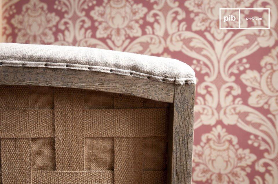 Kies voor een stoel die de stijlvolle bohemian stijl combineert met een trend aspect: het houten