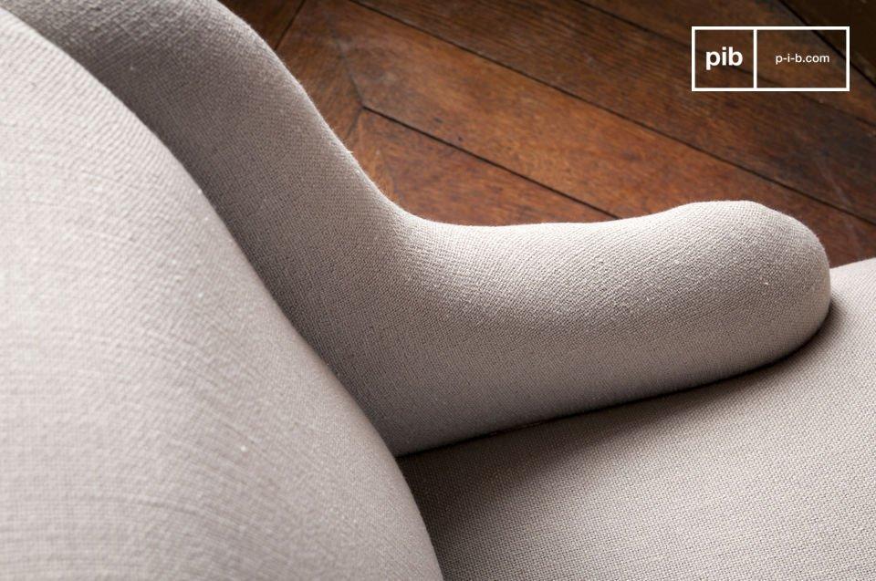 De Dumas fauteuil is mooi afgewerkt
