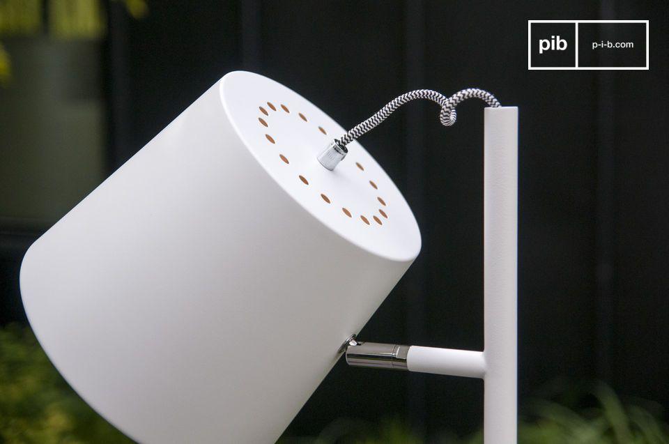 Geniet van de witte kleur typerend voor Scandinavisch design van de Elküb leeslamp