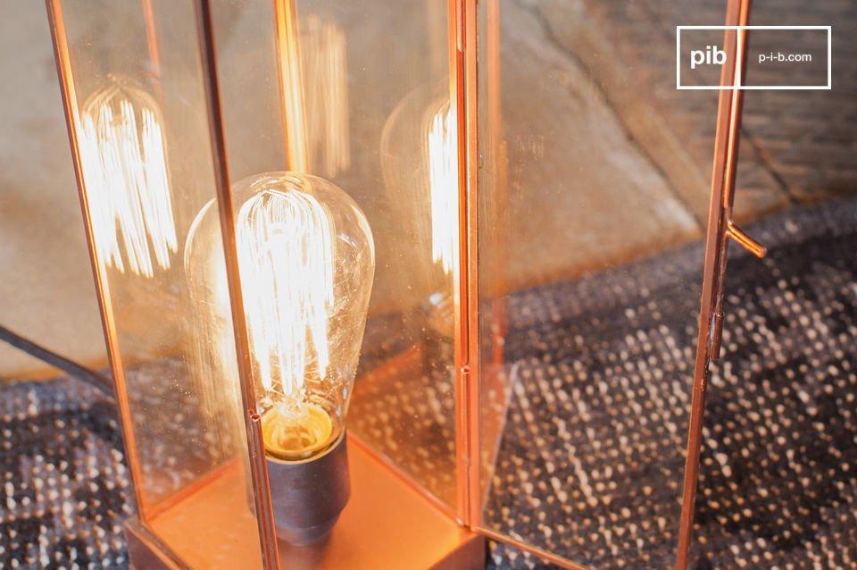 Glas en koper voor een verfijnde lamp