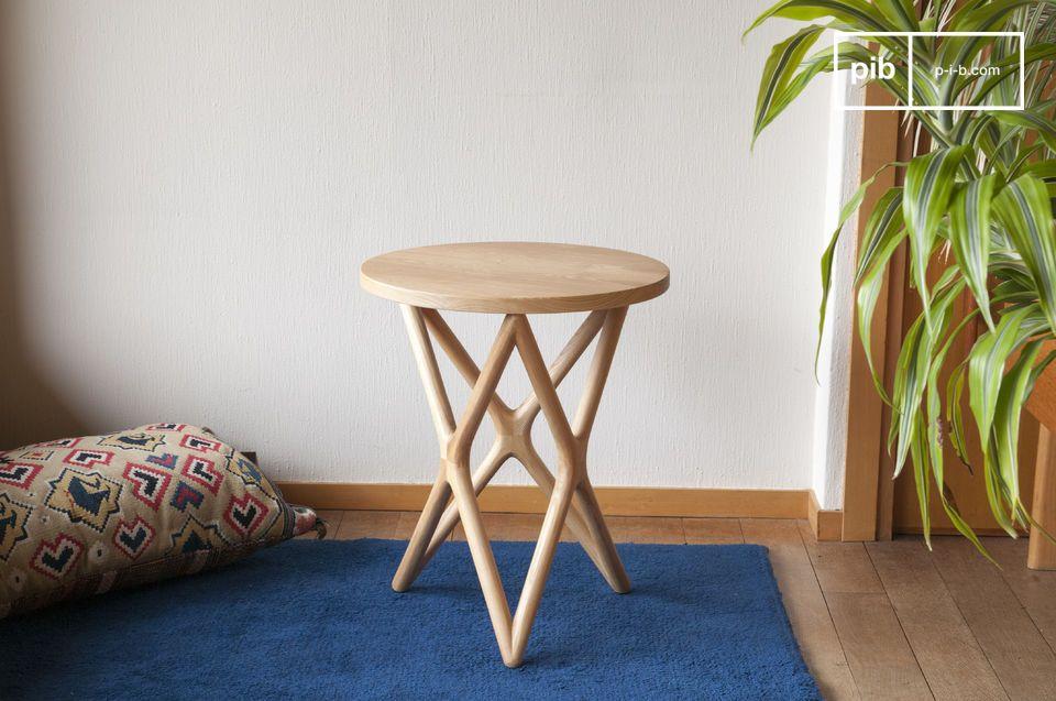 De elegantie van vintage Scandinavisch design voor een houten tafel