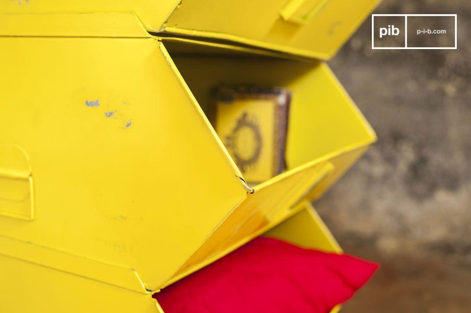 een praktische ladekast met een kleurrijke industriële stijl