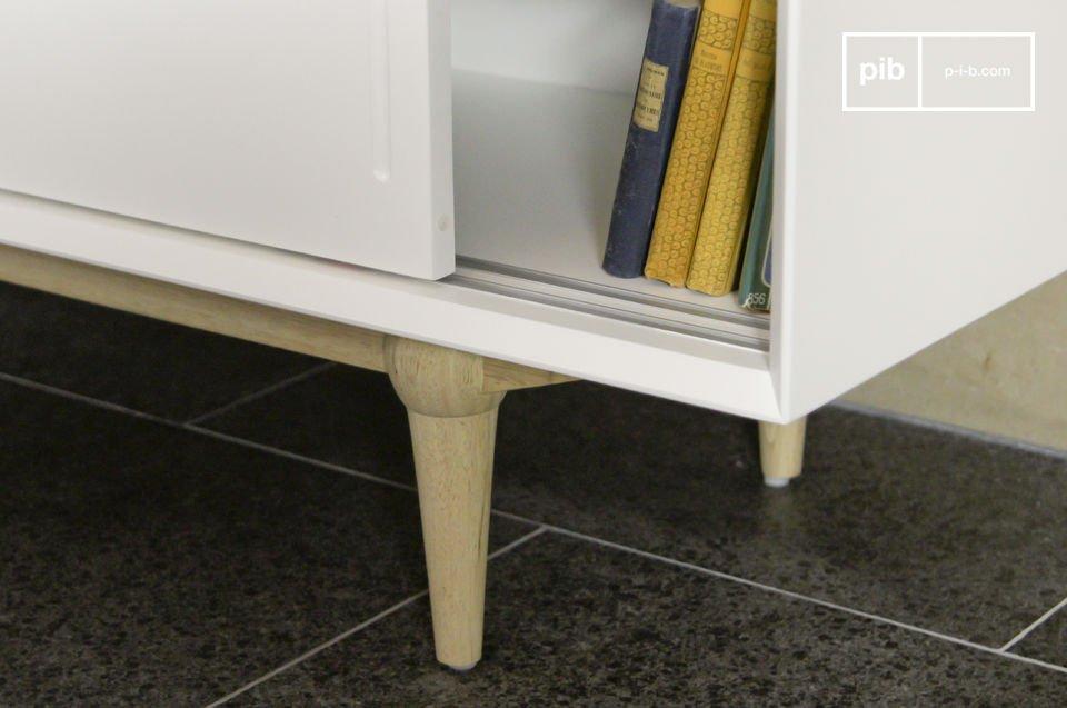 Dit tv-meubel combineert het gemak van moderne design met de elegantie van vintage Scandinavische