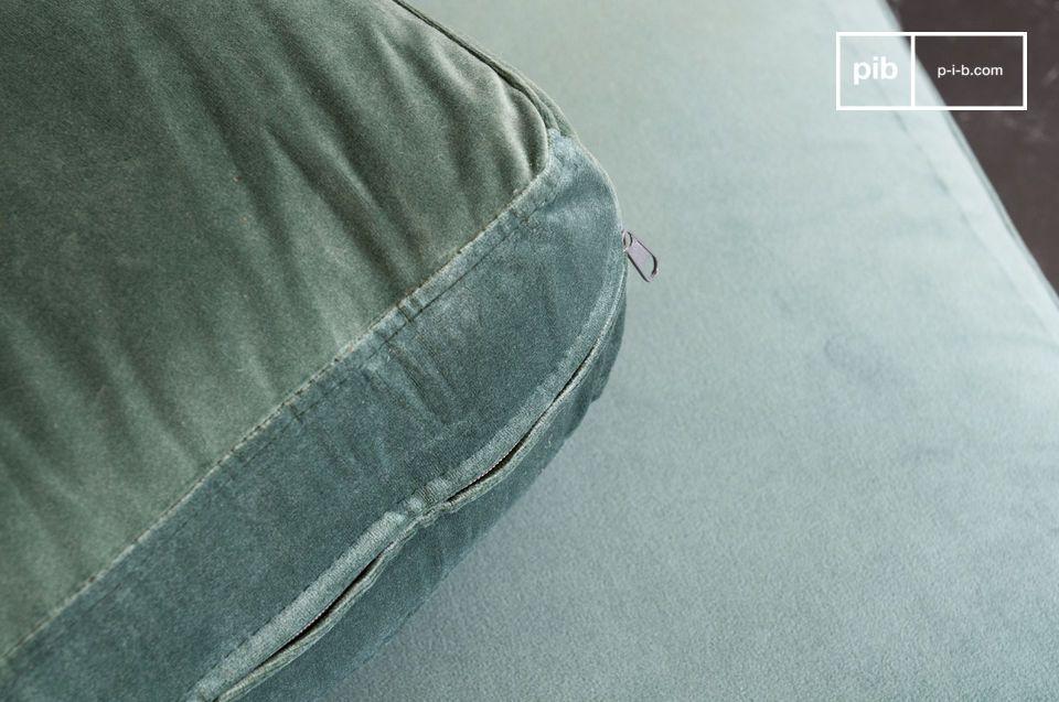 Een sofa die de zachtheid van fluweel combineert met de elegantie van marmer