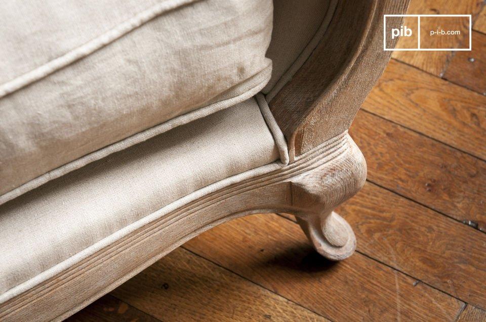 De Grand Trianon stoel past perfect in een mooie woonkamer of in de hoek van je slaapkamer