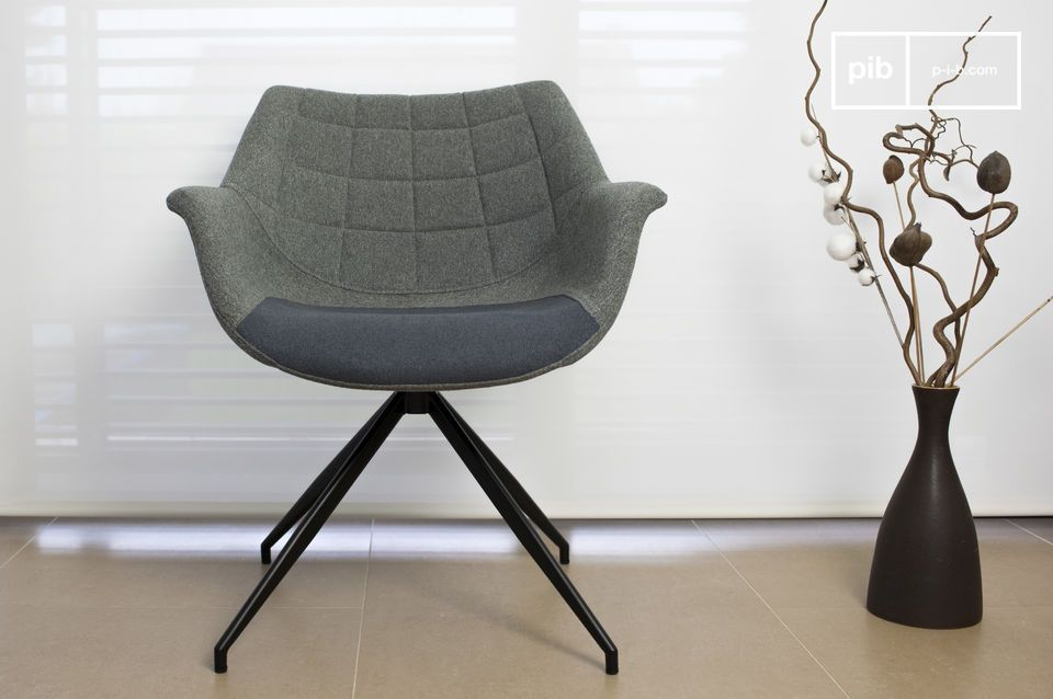 De fauteuil past perfect in een interieur met Scandinavische meubelstukken