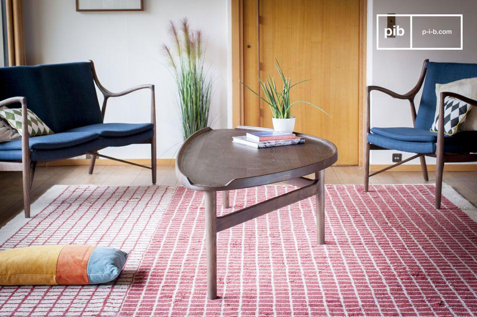 Een koffietafel van massief hout, ideaal voor gemengd gebruik
